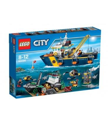 LEGO® Nava de explorare in largul marii [60095]