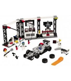 LEGO® Oprirea la boxe McLaren Mercedes [75911]