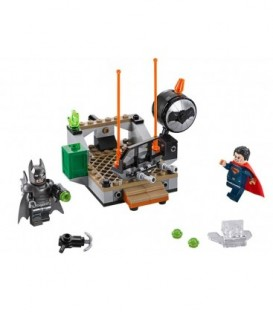 LEGO® Infruntarea Eroilor [76044]