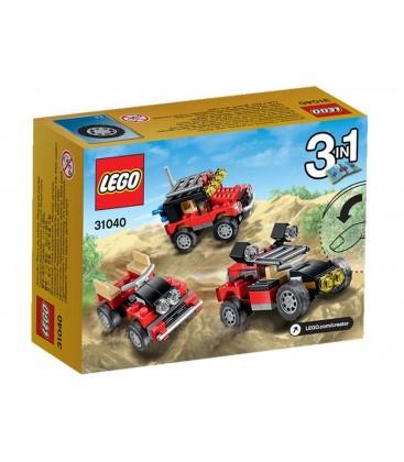 LEGO® Masini de curse de desert [31040]