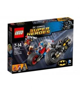 LEGO® Batman?: Urmarire cu motocicleta in orasul Gotham [76053]