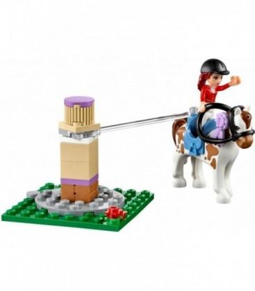 LEGO® Clubul de echitatie din Heartlake [41126]