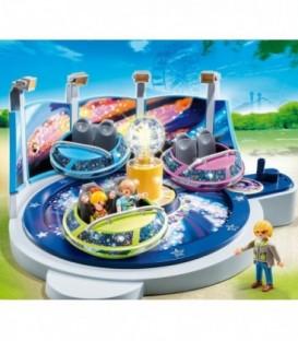 Nava spatiala din parcul de distractie